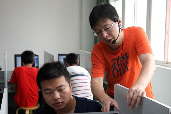 机电工程学院 詹建军
