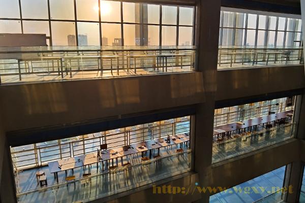 图书馆光影